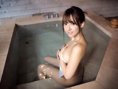 温泉に一緒に入っておっぱいを揉みまくりたい5