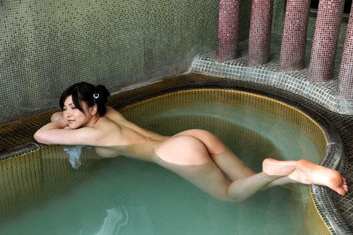 温泉に一緒に入っておっぱいを揉みまくりたい20