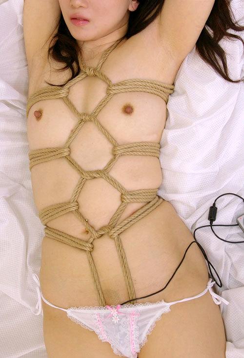 おっぱいを縛り上げられマ○がびしょ濡れM嬢6
