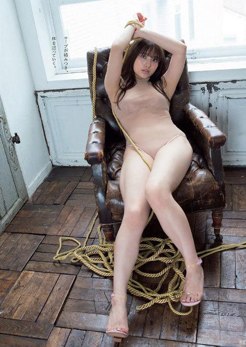 元AKB大和田南那 色白でムチムチなまんまる巨乳
