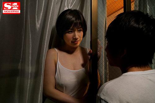 汗でじわじわ浮き出るノーブラ乳首 見たい?揉みたい?吸い付きたい? 奥田咲7
