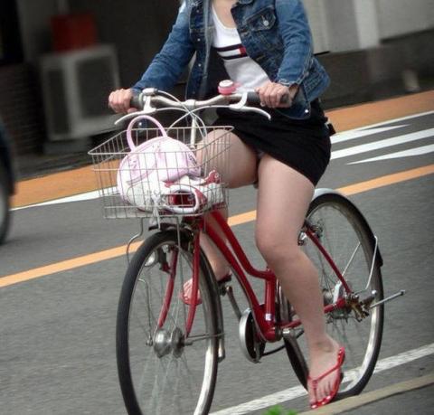 miniskirt-jitensha-panchira684002.jpg