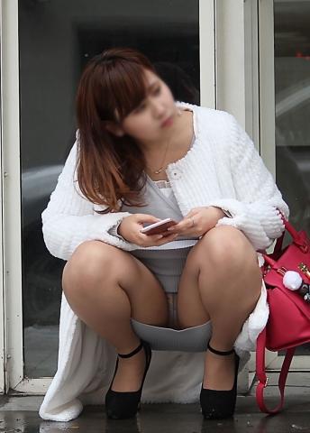 upskirt_dress10716019.jpg