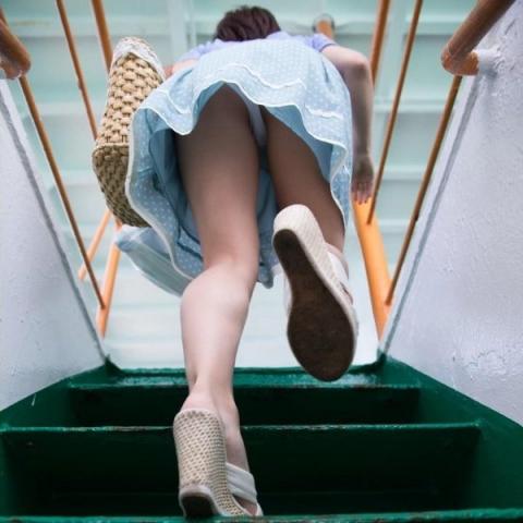 upskirt_stairs10920004.jpg