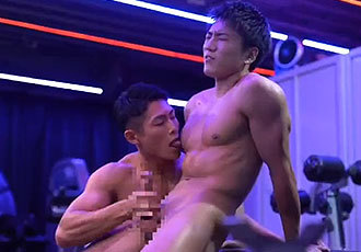 今大注目のAVモデル成宮仁-JIN- 男性との初体験は今年の5月、チンチンがデカすぎて...