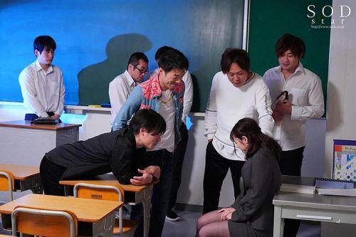 大嫌いで大好きな先生を、DQNの先輩達に犯してもらいました…。 小倉由菜 03