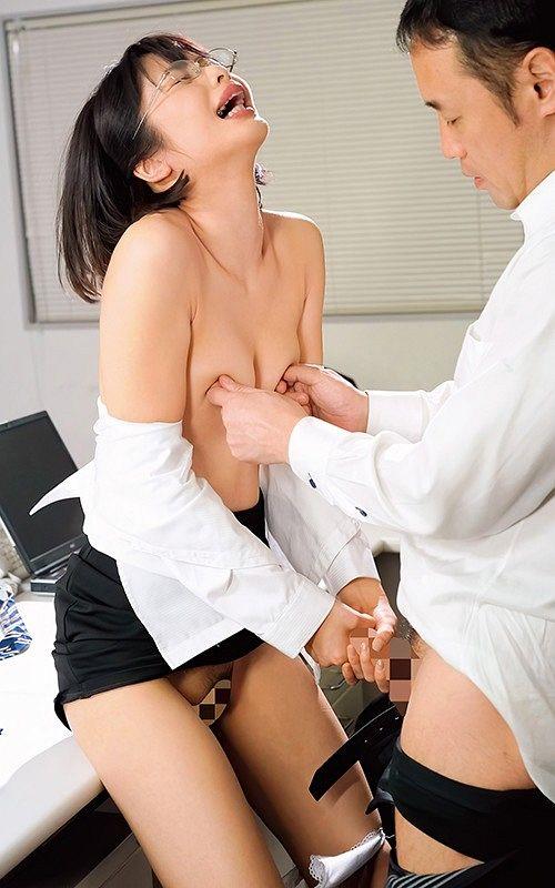 上司に乳首ハラスメントされ続け、早漏イクイク敏感体質に仕込まれた女子社員 川上奈々美 06