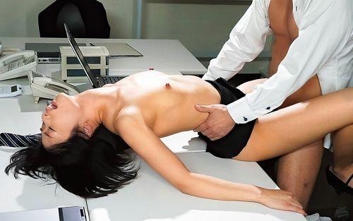 上司に乳首ハラスメントされ続け、早漏イクイク敏感体質に仕込まれた女子社員 川上奈々美 09