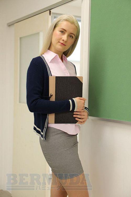 恥辱の教室 外国人女教師サーシャ 01