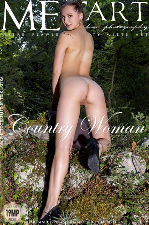 Ava - COUNTRY WOMAN