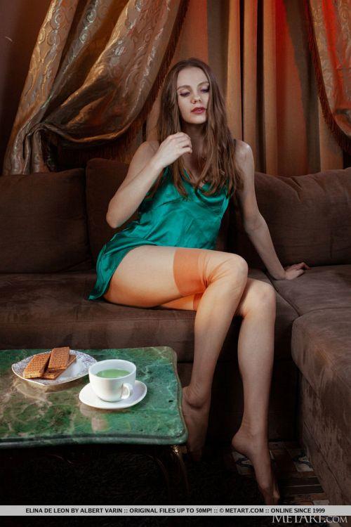 Elina De Leon - WARM GLOW 02