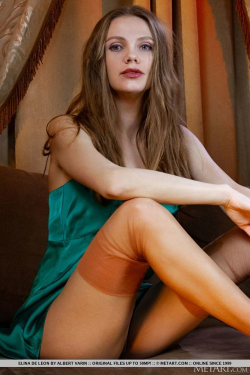 Elina De Leon - WARM GLOW 03