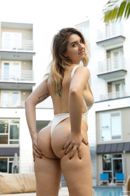 Olivia Yukon - THE GREEDY CALIBRI 06