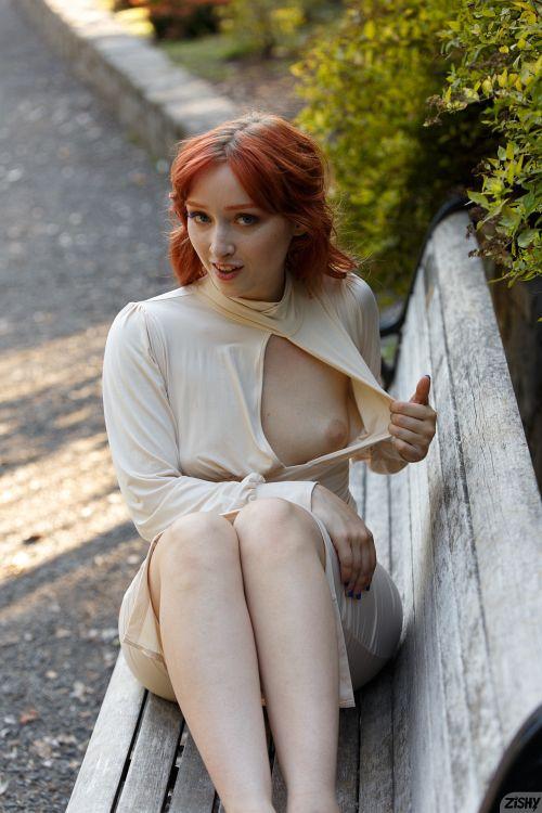 Lady Noire - BUTTANICAL GARDEN 13