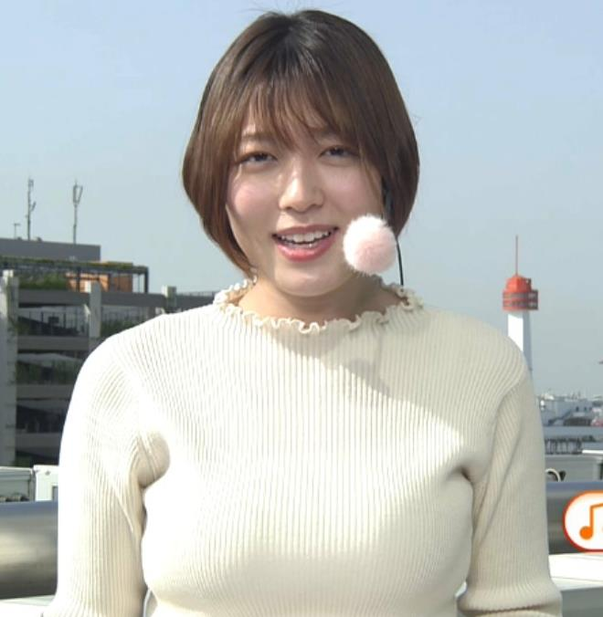 阿部華也子 ジャケットを脱いで出てきたニット巨乳キャプ・エロ画像6