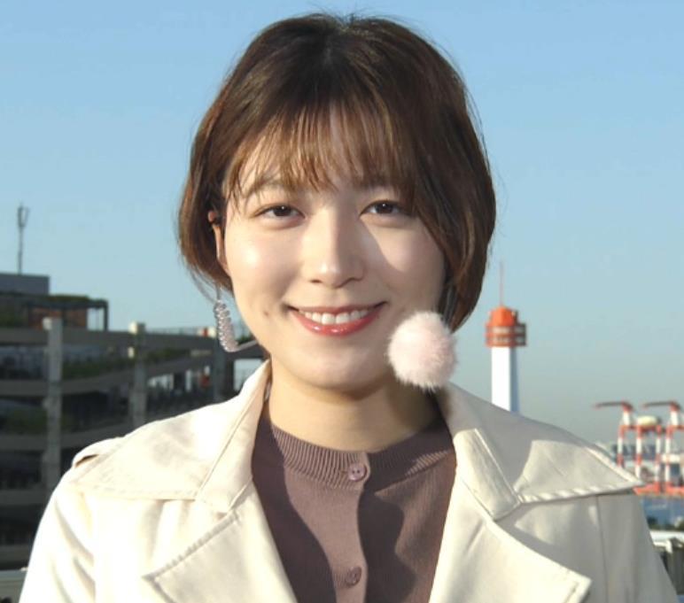 阿部華也子 胸がパツパツの衣装キャプ・エロ画像2