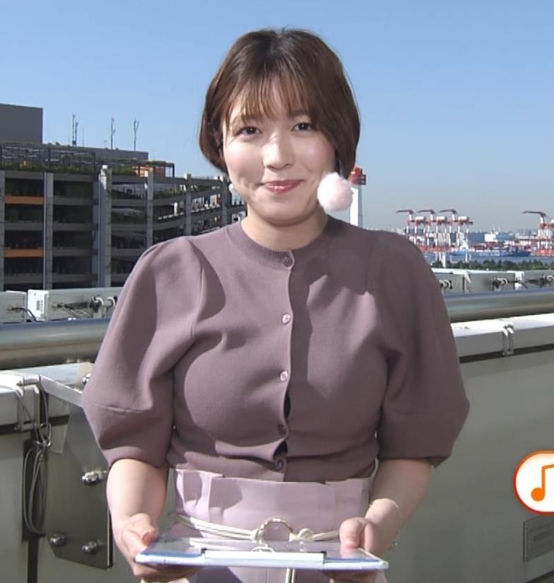 阿部華也子 胸がパツパツの衣装キャプ・エロ画像6