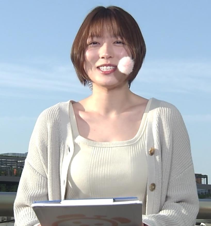 阿部華也子 薄着になってきて衣装がセクシーキャプ・エロ画像2