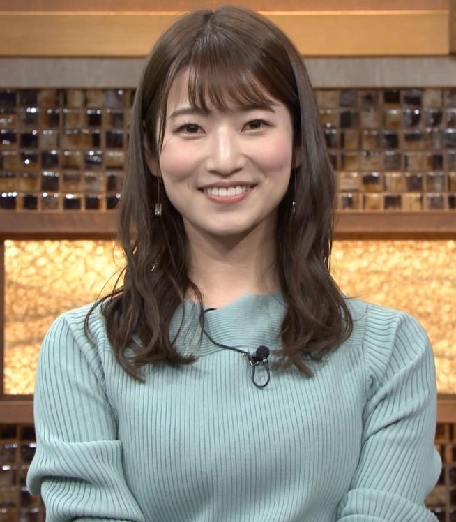 安藤萌々アナ ニットおっぱいキャプ・エロ画像8