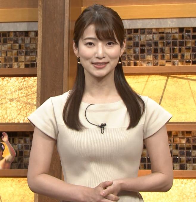 安藤萌々アナ 横乳でわかるおっぱいの大きさキャプ・エロ画像5