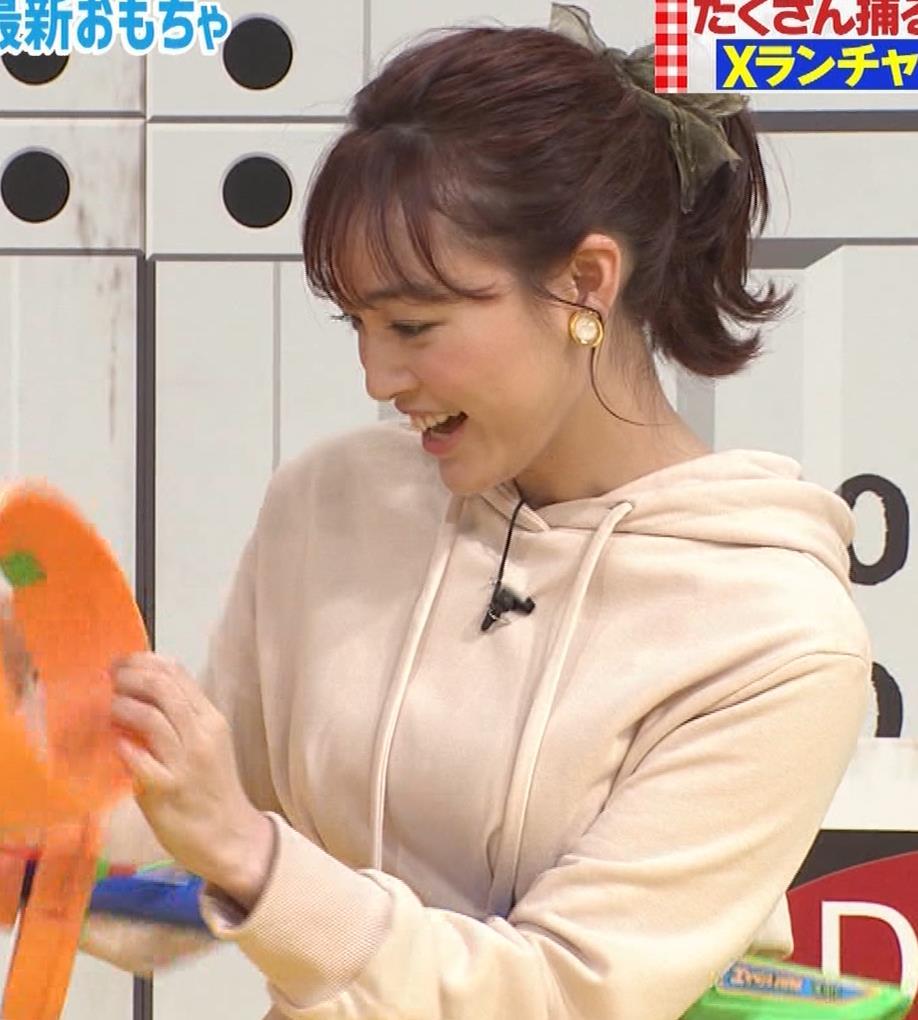新井絵理奈 かわいいポニーテール&ちょっと胸が目立つキャプ・エロ画像3