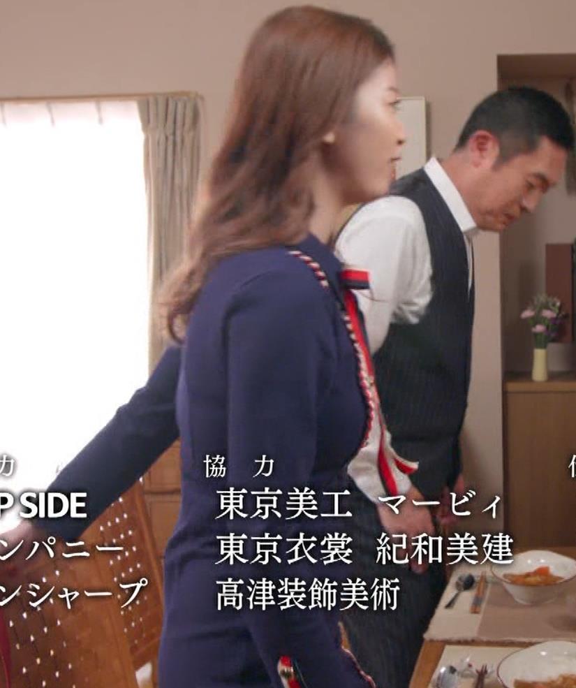 馬場ふみか 刑事役でもセクシー(ちょっと乳揺れ)キャプ・エロ画像17