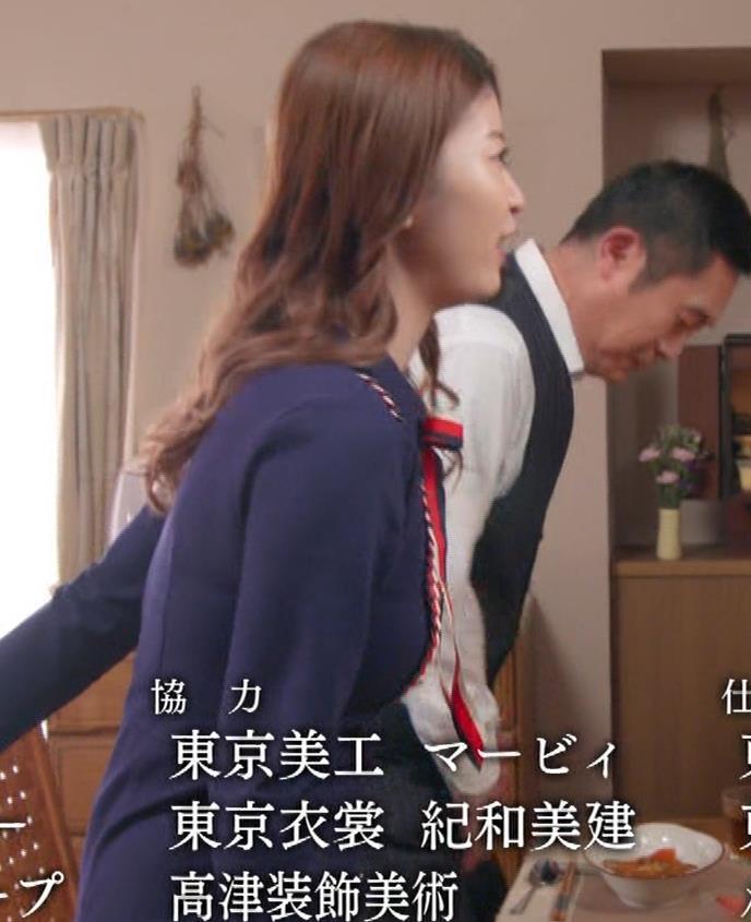馬場ふみか 刑事役でもセクシー(ちょっと乳揺れ)キャプ・エロ画像18