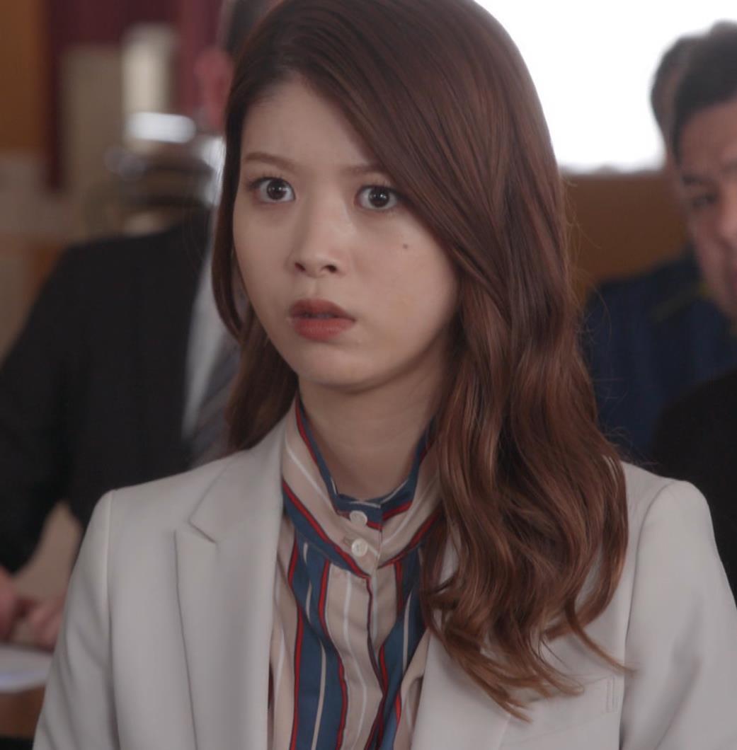 馬場ふみか 刑事役でもセクシー(ちょっと乳揺れ)キャプ・エロ画像6