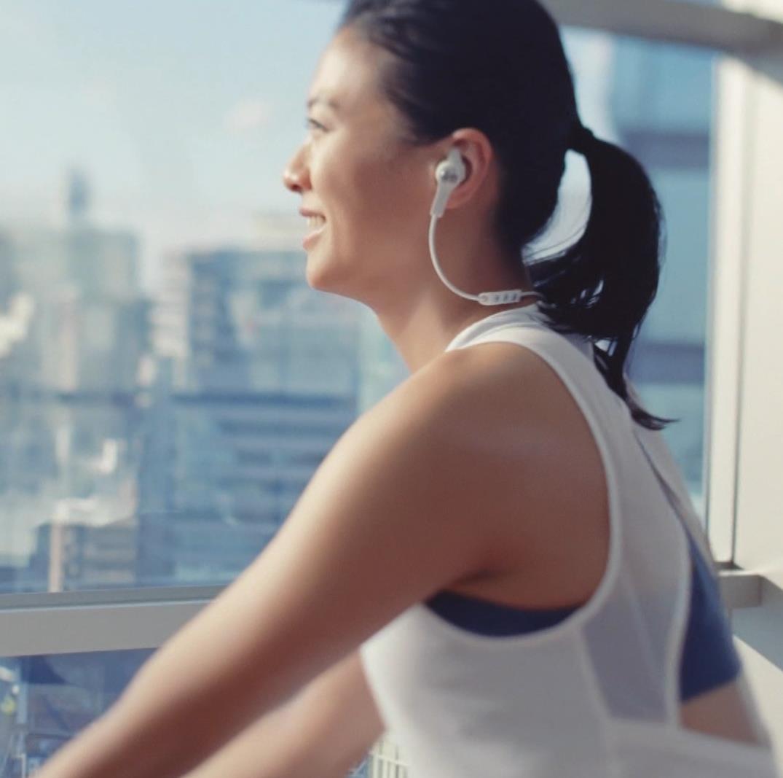 榮倉奈々 タイトなスポーツウェアでお尻がエロいキャプ・エロ画像3
