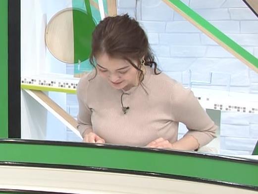 福田典子アナ セクシーなニットおっぱいキャプ・エロ画像2