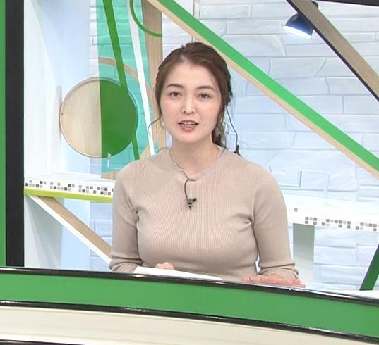 福田典子アナ セクシーなニットおっぱいキャプ・エロ画像3