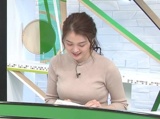 福田典子アナ セクシーなニットおっぱいキャプ・エロ画像4