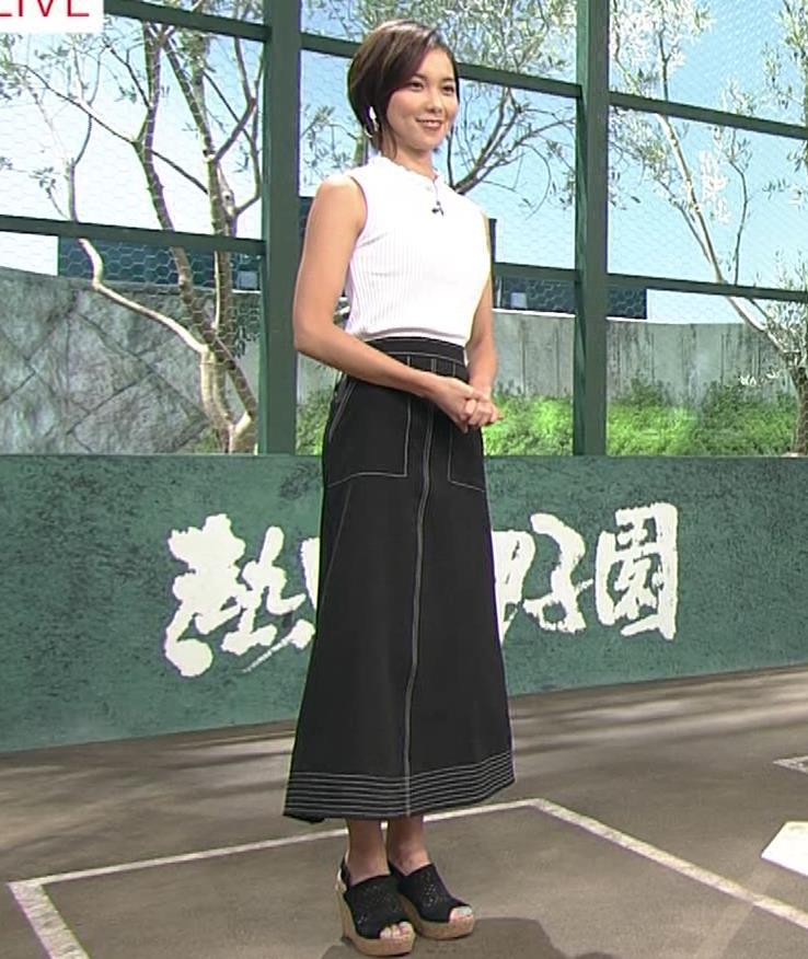 ヒロド歩美アナ ピチピチノースリーブニットの横乳キャプ・エロ画像2