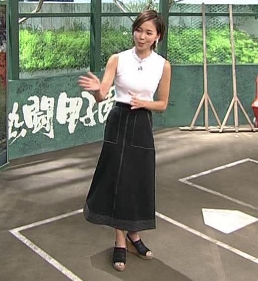 ヒロド歩美アナ ピチピチノースリーブニットの横乳キャプ・エロ画像5