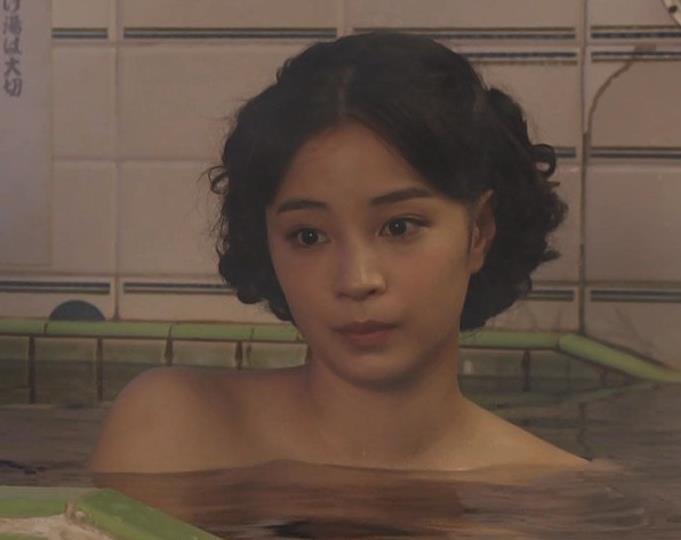 広瀬すず 貴重な入浴シーンキャプ・エロ画像2