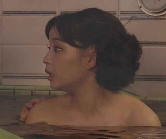 広瀬すず 貴重な入浴シーンキャプ・エロ画像4