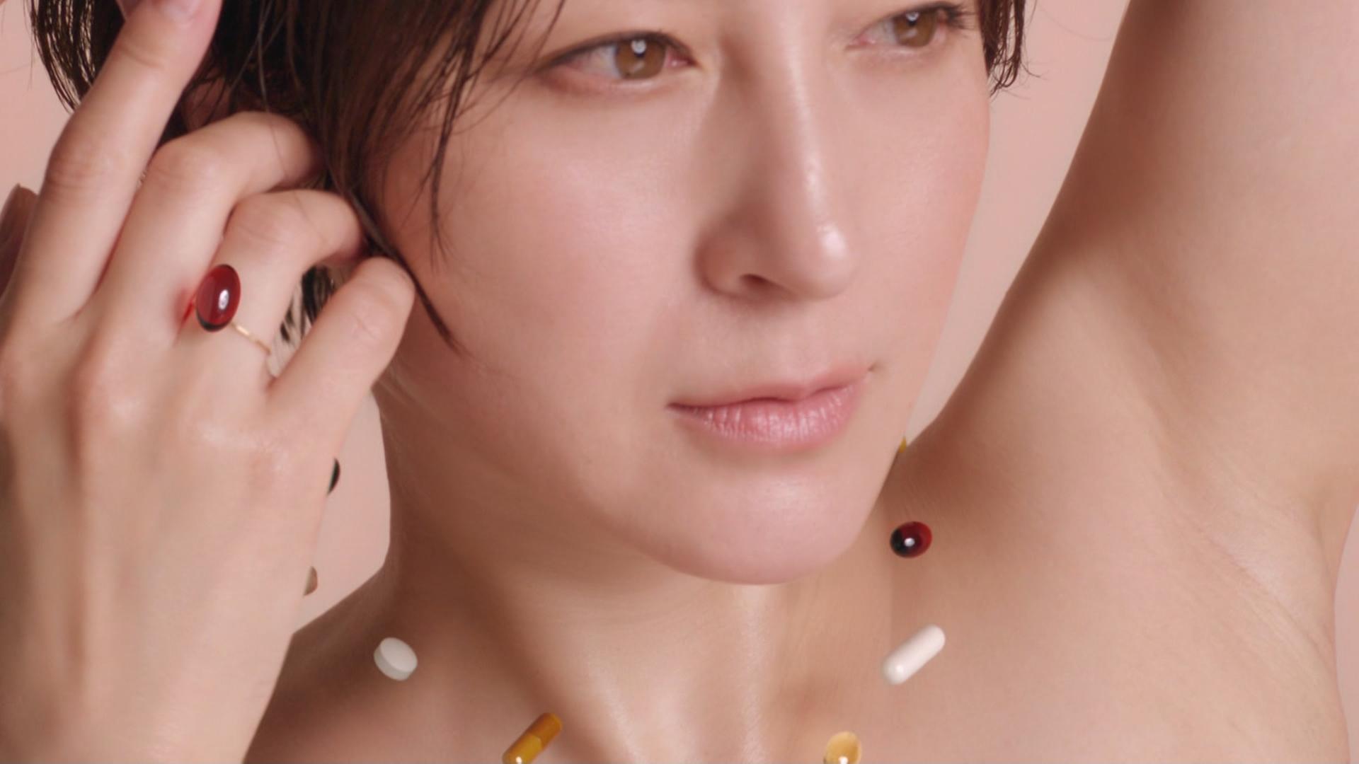 広末涼子 裸のCMが綺麗でエロい(ツルワキ)キャプ・エロ画像4