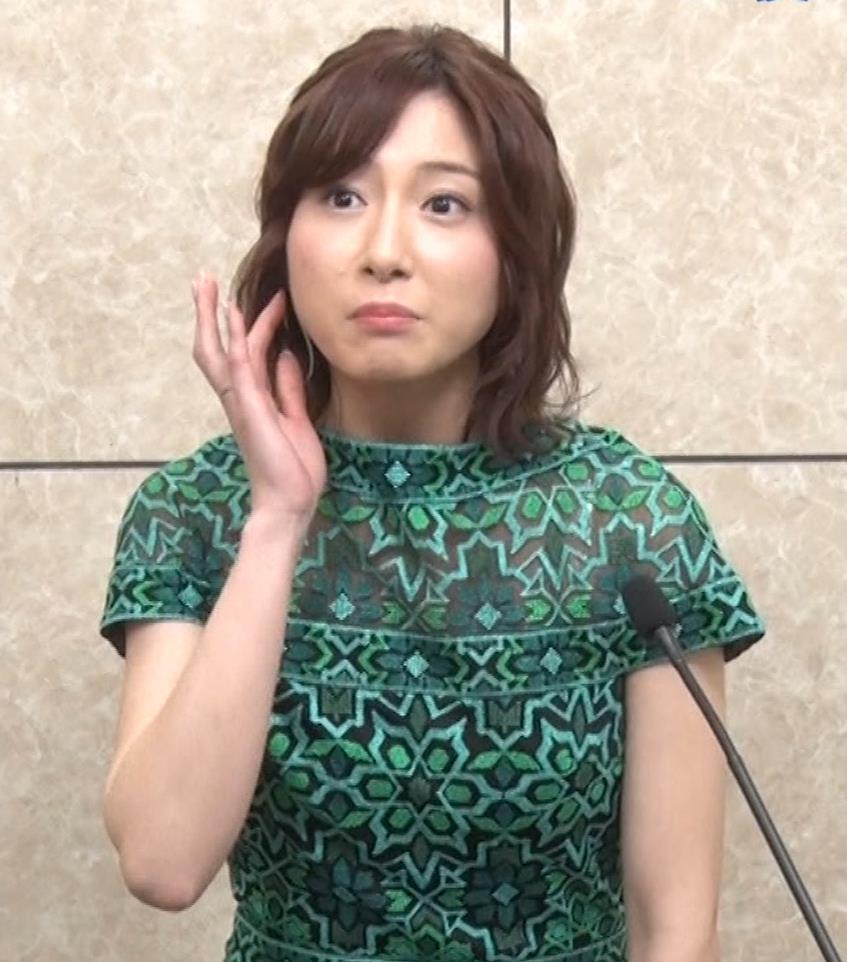 市來玲奈アナ 胸のふくらみキャプ・エロ画像