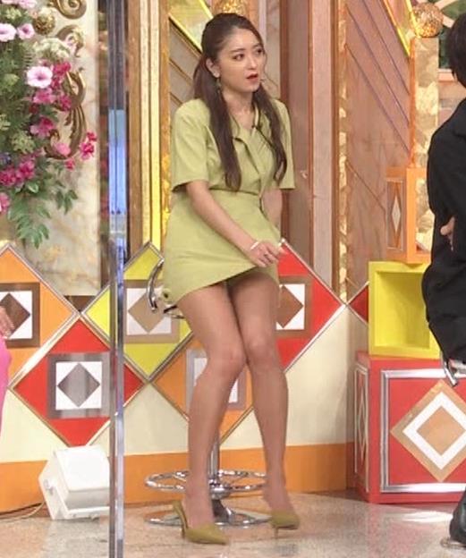 みちょぱ スカートの裾を自分でめくる動画(池田美優)キャプ・エロ画像3