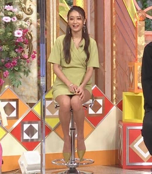 みちょぱ スカートの裾を自分でめくる動画(池田美優)キャプ・エロ画像6