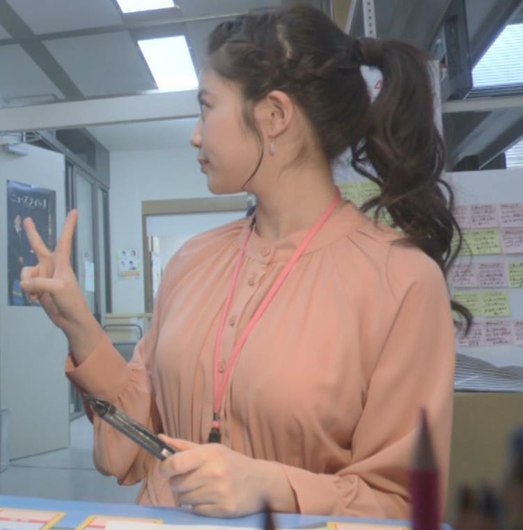 今田美桜 朝ドラでおっぱいが目立ってしまうキャプ・エロ画像