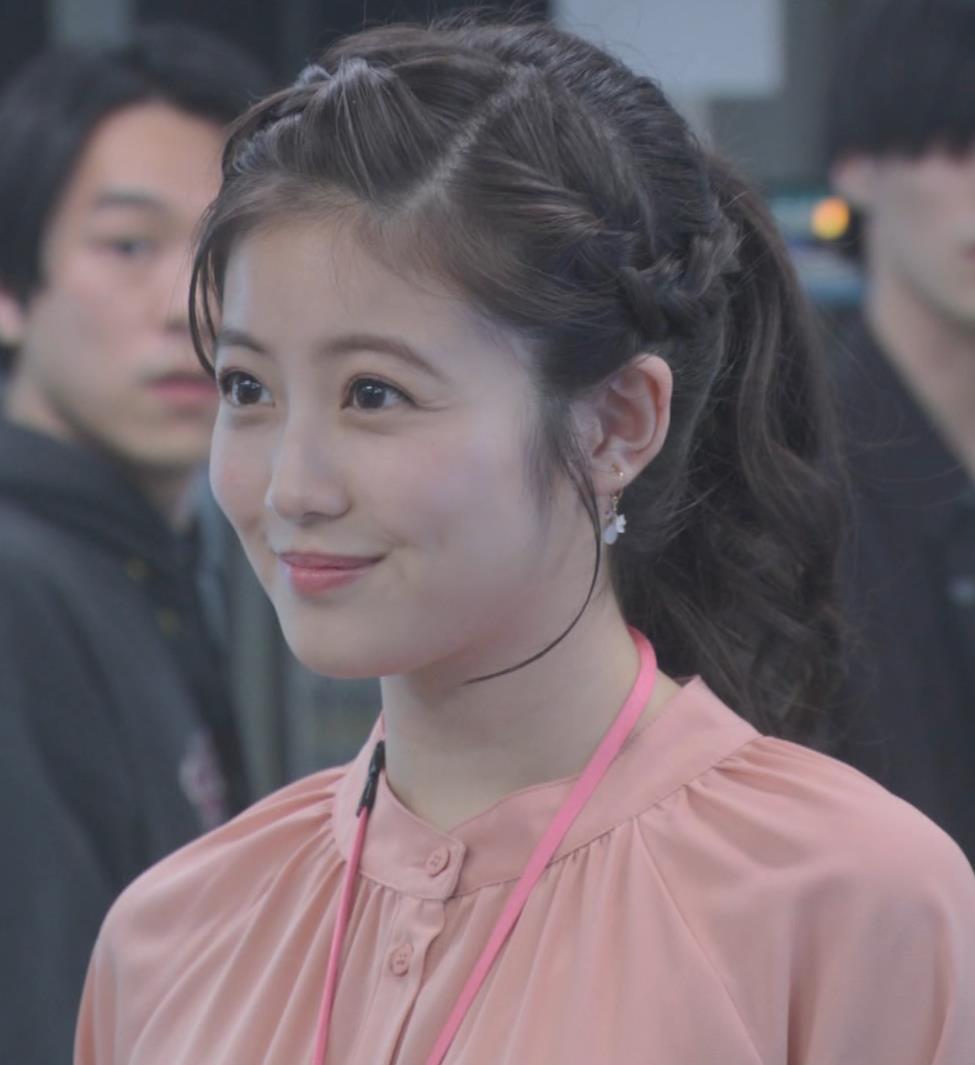 今田美桜 朝ドラでおっぱいが目立ってしまうキャプ・エロ画像7