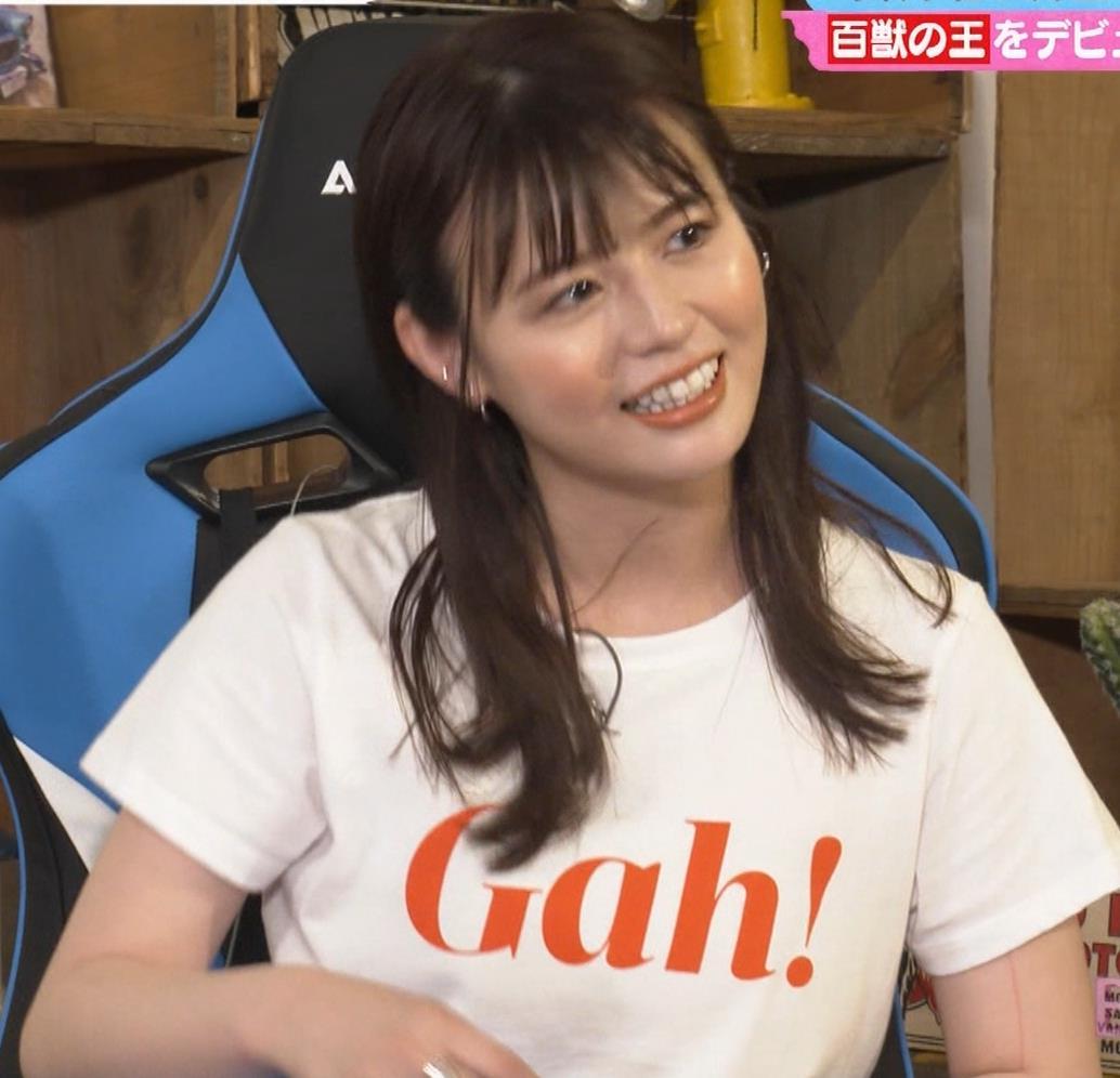 井口綾子 かわいいTシャツ姿キャプ・エロ画像4