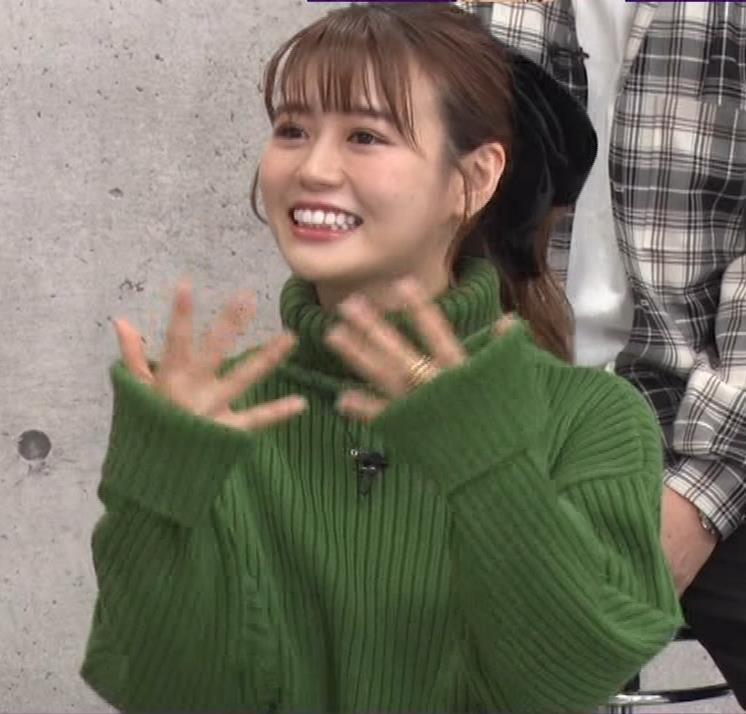 井口綾子 エッチなミニスカのニットワンピースキャプ・エロ画像12