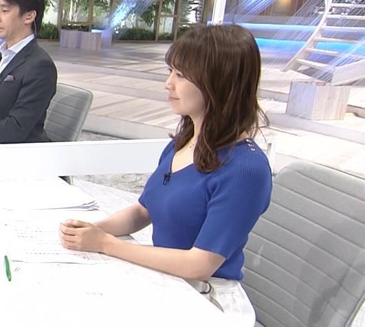 片渕茜アナ ニット巨乳の横乳キャプ・エロ画像2