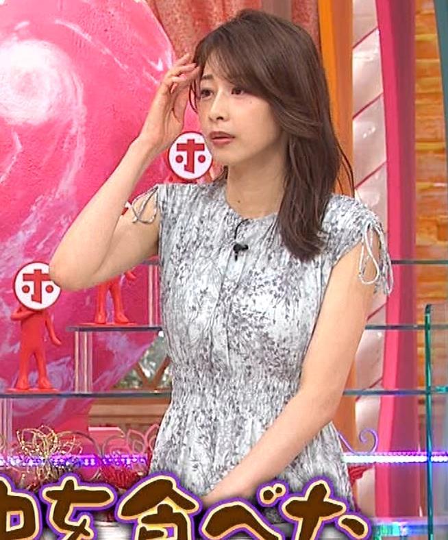 加藤綾子 胸の大きさがちょっと強調されたワンピースキャプ・エロ画像4