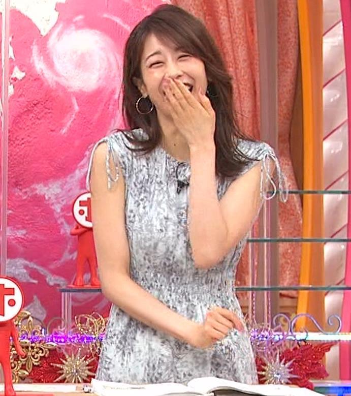 加藤綾子 胸の大きさがちょっと強調されたワンピースキャプ・エロ画像8