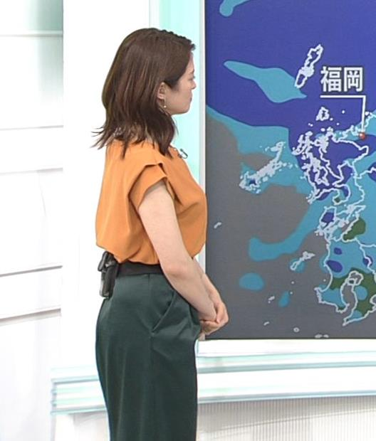 川﨑理加アナ 巨乳横乳キャプ・エロ画像4