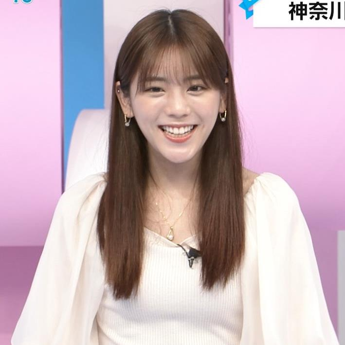 貴島明日香 胸のふくらみ&ひらひらスカートキャプ・エロ画像