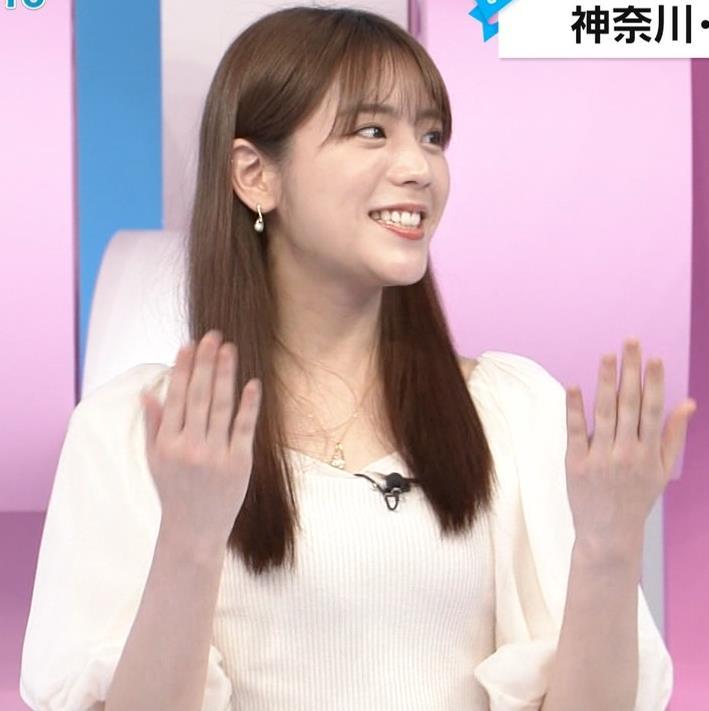 貴島明日香 胸のふくらみ&ひらひらスカートキャプ・エロ画像2